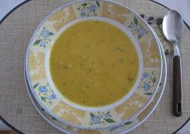 Polévka s mrkvičkou, červenou čočkou a celerem recept ...