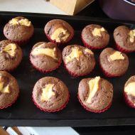 Dvoubarevné plněné muffiny recept