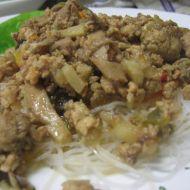 Čínské rýžové nudle s hlívou a mletým masem recept