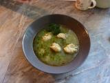 Polévka z mraženého hrášku s bazalkovými nočky recept ...