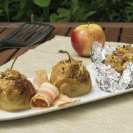 Pečená jablka plněná hermelínem a mandlemi recept