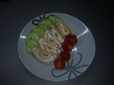 Křenová sýrová roláda