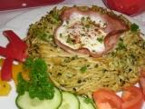 Špagetová hnízda se špenátem a vejcem recept