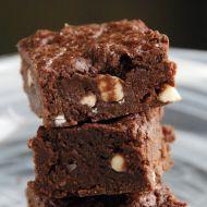 Brownies s lupínky bílé čokolády recept