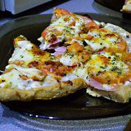 Zdravější pizza se smetanovým základem recept