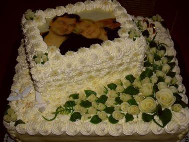 Svatební dort s jedlou fotkou