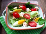 Ledový salát s chilli tofu, vejcem a rajčaty recept