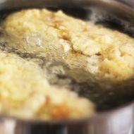 Domácí houskový knedlík recept