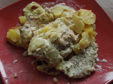 Zapékané brambory s masem zalité smetanou
