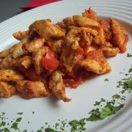Kuřecí nudličky s rajčaty recept