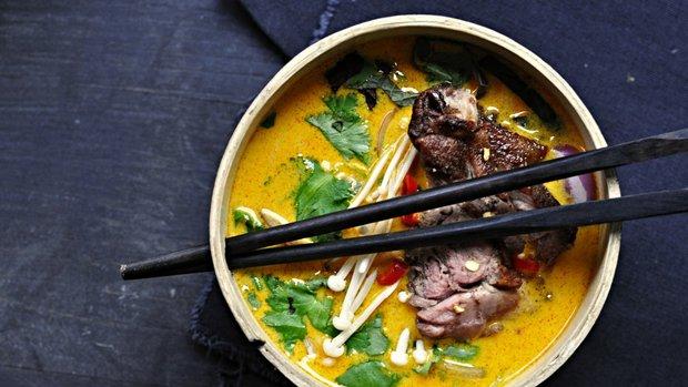 Asijská kachní polévka
