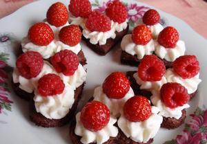 Jednoduché piškotové pohoštění s ovocem  rychle a chutně ...