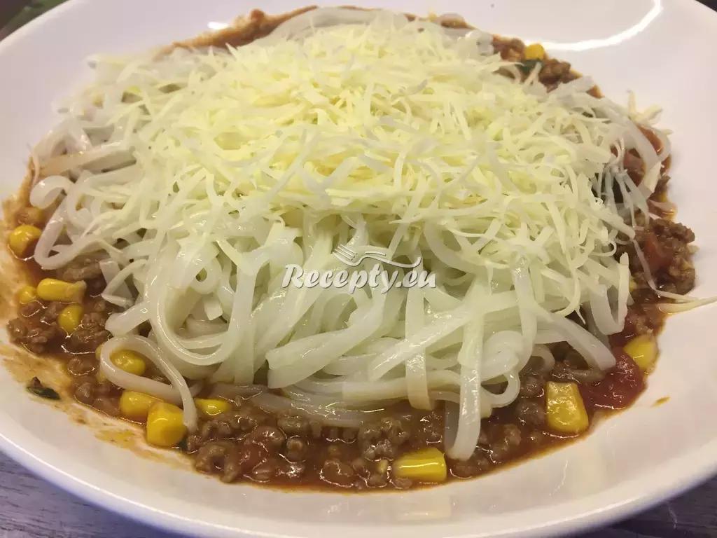 Boloňské špagety se zeleninou recept  těstoviny