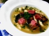 Uzená polévka s houbami a krupicovými nudlemi recept ...