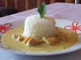 Curry kuřecí kostky s mrkví na smetaně recept