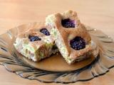 Celozrnný rebarborový koláč s ovocem recept