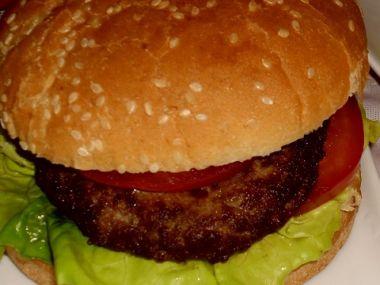 Americký hamburger, co dovnitř