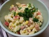 Barevný těstovinový salát recept