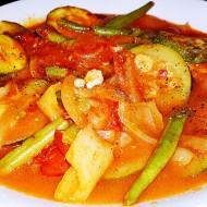 Dušená cuketa se zeleninou recept
