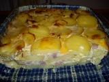 Zapečené brambory s uzeným masem a smetanou recept ...