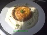 Sekaná mistička plněná vejcem a sýrem recept