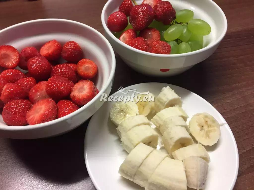 Ovocný salát recept  ovocné pokrmy