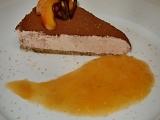 Nepečený cheesecake s mléčnou čokoládou a meruňkovým přelivem