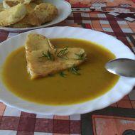 Dýňová polévka se sýrovými krutony recept