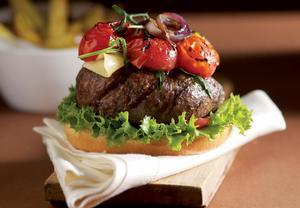 Americký hamburger z vyzrálého hovězího