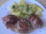 Masovo-celerové karbanátky s cibulí a slaninou recept  TopRecepty ...