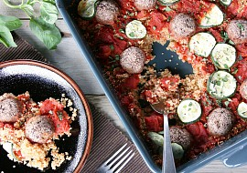 Veganské bezlepkové kuličky zapečené s rajčaty a quinoou recept ...
