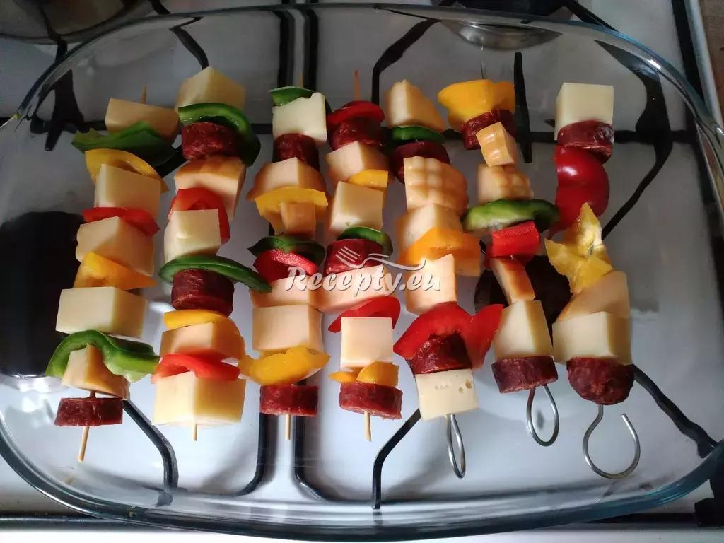 Vepřové špízy s česnekem recept  vepřové maso