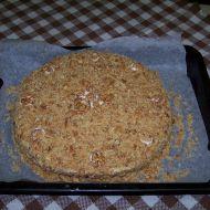 Medovník s vlašskými ořechy recept