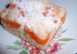 Jednoduchý meruňkový koláč