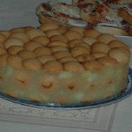 Nepečený dort s jablky a piškoty recept