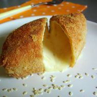 Smažený hermelín se sezamovými semínky recept