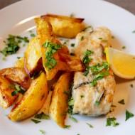 Steaky z tuňáka se salátem z pečených brambor recept