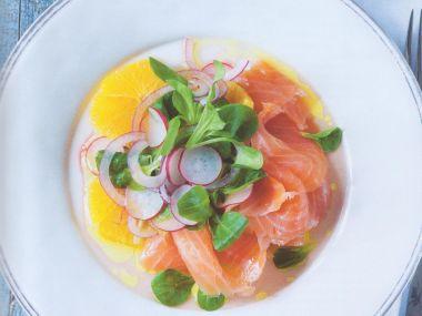 Pomerančový salát s lososem