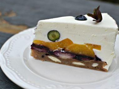 Osvěžující smetanový dort s ovocem