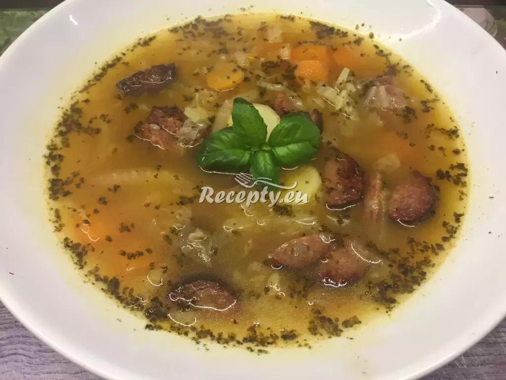 Babiččina zelňačka s paprikou recept  polévky