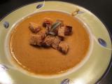 Krémová polévka z červené čočky s krutonky recept