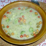 Brokolicová polévka s hráškem recept