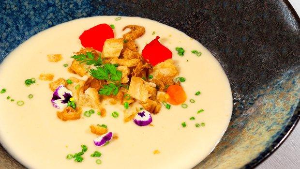 Pastiňákový krém s gorgonzolou a croissantovými krutony | Prima ...