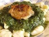 Kuře se špenátem a bramborovými noky recept
