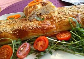 Listový závin se sezamovými semínky, s klobáskou a zelím recept ...