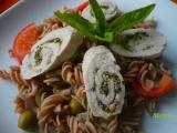 Celozrnné těstoviny s kuřecí roládkou recept