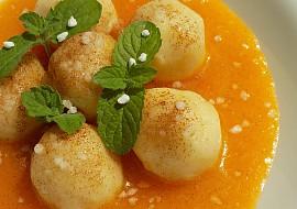 Tvarohové knedlíčky v meruňkové omáčce recept