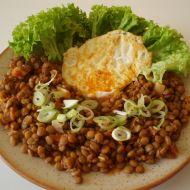 Čočkový salát s volským okem recept