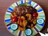 Teplý bramborový salát s paprikou recept