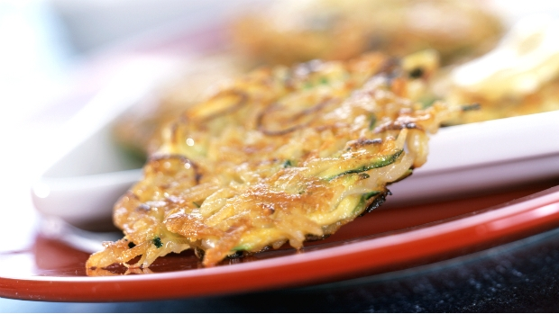 Rýžovo-zeleninové placky s hořčičnou omáčkou